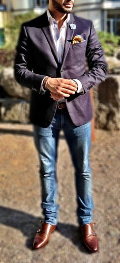 Purple Linen Blazer, Worn Jeans, and Tan Loafers. Men's Spring Summer Fashion.