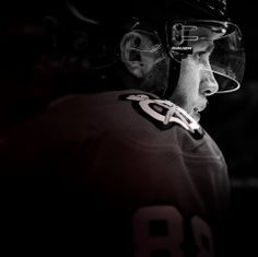 Just 30 minutes to puck drop... #Showtime #Blackhawks