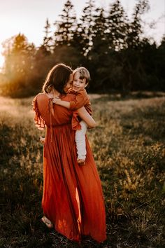 Family Picture Poses, Family Photo Outfits, Family Pictures, Couple Photos, Children Photography, Family Photography, Sibling Photos, Outdoor Photos, Single Parenting
