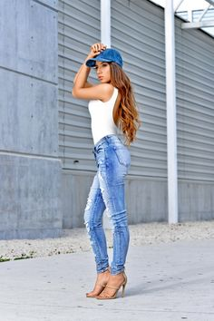 Hot Miami Styles » Casual Stroll