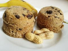 fitness desserts: Fitness muffinky z mikrovlnky - bez múky! Sweet Desserts, Sweet Recipes, Microwave Muffin, Get Thin, Cooking Recipes, Healthy Recipes, Healthy Food, Recipe Girl, Smoothies