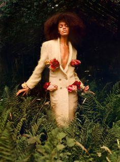 Black-is-no-colour Bloom Fashion, Dope Fashion, Uk Fashion, Fashion Story, Fashion Editor, Fast Fashion, Editorial Fashion, Luxury Fashion, Maisie Williams