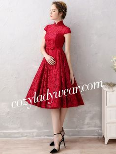 Wine Red A-Line Lace Qipao / Cheongsam Wedding Dress Princess Bridal, Princess Wedding Dresses, Bridal Dresses, Diy Dress, Dress P, Lace Dress, Festival Costumes, Festival Dress, Chinese Fashion