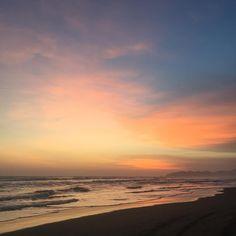 "Ela Andrade en Instagram: ""Cielo de acuarela 🎨🖌 . . . #photography #pic #picture #sunset #beach #colors #thisismexico #chiapas #chiapasmexico #photooftheday…"""