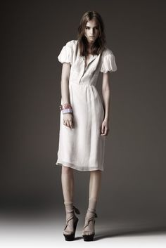 Burberry Resort 2010 Fashion Show - Anabela Belikova