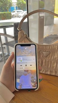 Korean Aesthetic, Beige Aesthetic, Aesthetic Phone Case, Coque Iphone, Instagram Story Ideas, Apple Products, Homescreen, Aesthetic Pictures, Aesthetic Wallpapers