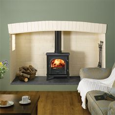 Stovax Stockton 7 - The Stockton 7 is a beautifully proportioned stove and is a very popular model for medium to larger rooms. Not only an attractive piece of furniture, when lit it also offers significant heating potential (up to 7kW) whether burning wood or solid fuel. When burning wood it can take logs up to 12¾in (325mm) in length. The Stockton 7 is approved for Smoke Control Areas when fitted with a Smoke Control Kit.