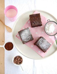 (WIN, WIN, WIN as usual) Nigella's everyday brownies <3 <3 <3 <3 <3