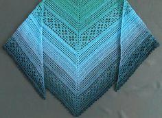 Jetzt mit einem Bobbel / Farbverlaufsgarn ganz unkompliziert ein wunderbares Dreieckstuch mit Lochmuster häkeln. Das wird Dir gefallen. Leg gleich los.