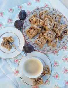 Es ist Herbst. Es ist kalt draußen. Es wird fleißig Tee gekocht. Es ist Zeit für Süßes! Es ist Zeit für Kuchen! …am liebsten mit Obst und Streusel! Ein ganzes Blech voll Kuchen mit Streusel! …