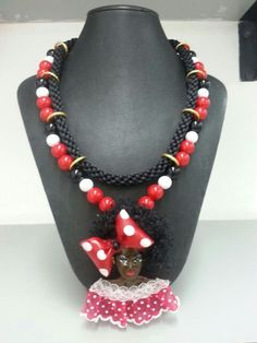 Negrita puloy carnavalezca African Women, Diana, Beaded Necklace, Facebook, Crochet, People, Crafts, Etsy, Jewelry
