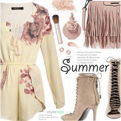 How To Wear Summer Floral Outfit Idea 2017 - Fashion Trends Ready To Wear For Plus Size, Curvy Women Over 20, 30, 40, 50