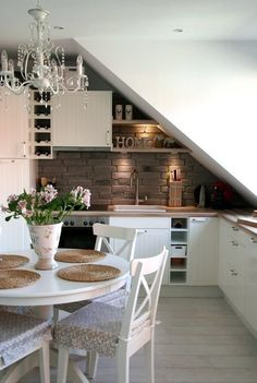 kitchen in small space / Cocina pequeña