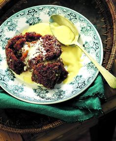 My malva pudding recipe is based on that original recipe and is published with Michael's blessing. The single biggest adjustment from the original recipe is No Bake Desserts, Dessert Recipes, Cake Recipes, Malva Pudding, Pudding Ingredients, 24 September, South African Recipes, Pudding Recipes, Original Recipe