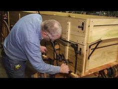 This video is about rebuilding an International wagon that traveled from Missouri to Montana, part Included is showing how steam bent wagon bows are made. Coach Shop, Wooden Wagon, Book Drawing, Wagon Wheel, Old Farm, Youtube, Crafts, Diy, Trailers