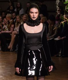 Black lipstick – beauty's #gothic new trend : Kendall Jenner on the Giles catwalk