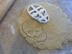 Nimli 3D printed Cracked Skull Cookie Cutter by BDan