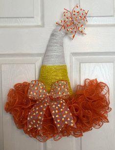 x Fall/Halloween Deco Mesh Candy Corn Door Hanger Witch Hat - Yellow/White/Orange Halloween Mesh Wreaths, Deco Mesh Wreaths, Fall Halloween, Halloween Crafts, Halloween Decorations, Fall Wreaths, Door Wreaths, Halloween Ideas, Halloween Designs