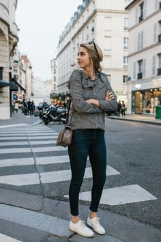 Weekend white m o d e мода Womens Fashion For Work, Couture, Women's Fashion Dresses, Street Style Women, Summer Outfits, Nice Outfits, Workout, Paris, Clothes