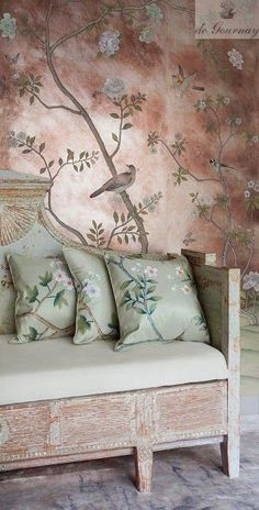de Gournay Badminton design with Rose Antiquing on Gilded Paper. Layered with de Gournay Chinoiserie cushions