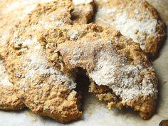 Rukiiset rieskat Bread Recipes, Banana Bread, Cookies, Chocolate, Desserts, Food, Crack Crackers, Tailgate Desserts, Essen