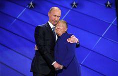 Le hug de Barack Obama et Hillary Clinton à la sauce Photoshop