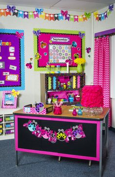 Features bright colors, chevron pattern, polka dots, stripes, ladybugs and Polka Dot Classroom, Classroom Setup, Classroom Design, Kindergarten Classroom, Future Classroom, Classroom Organization, Class Decoration, School Decorations, Decoration Design