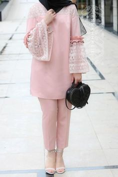 Trendy ideas fashion hijab casual bebe Source by fashion hijab Pakistani Fashion Casual, Pakistani Dresses Casual, Pakistani Dress Design, Muslim Fashion, Men Fashion, Fashion Photo, Fashion Tips, Stylish Dress Designs, Stylish Dresses