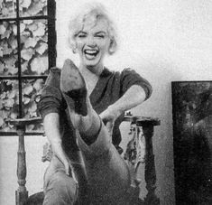 Allan Grant took photographs of Marilyn in her home in early July, 1962, to accompany the LIFE article. These photos, shown below, are the last ever professional pictures of Marilyn.