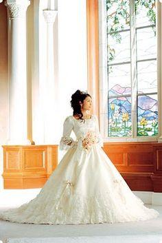 Aristocratica - Tokyo Disneyland Wedding Gowns
