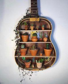 Bohemian Wall Art Design Ideas - Home Accessories Diy Boho Home, Bohemian House, Guitar Shelf, Bohemian Wall Art, Bohemian Design, Bohemian Crafts, Tumblr Rooms, Wall Art Designs, Wall Design