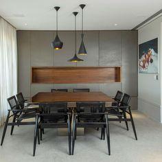 Salas de jantar com armários fechados e nicho central são tendência! - DecorSalteado