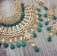 bridal jewelry for the radiant bride Bridal Jewellery Inspiration, Indian Bridal Jewelry Sets, Indian Jewelry Earrings, Jewelry Design Earrings, Gold Jewellery Design, Silver Jewelry, Silver Ring, India Jewelry, Jewelry Art