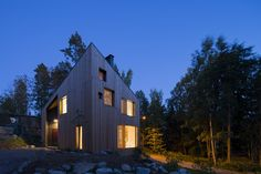 A wooden house that ages gracefully - Domus