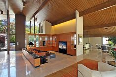 """Stunning Modernist Residence: Foothill August the Hills of Beverly, A. Quincy Jones and Frederick Emmons designed and built a stunning """"post-and-beam"""" modernist. Sunken Living Room 70's, Living Room 70s, Quincy Jones, Post And Beam, Terrazzo, Midcentury Modern, Beverly Hills, 3 D, Home Goods"""