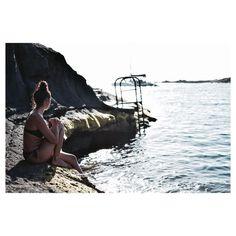 """150 Me gusta, 8 comentarios - Mónica Ramos 🐒 (@mo_9o) en Instagram: """"""""Da igual las vueltas que demos al mundo corriendo detrás del sol para que no se ponga nunca.…"""""""