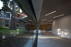 Opened-Oxford-University-Middle-East-Centre-building-by-Zaha-Hadid-Architects