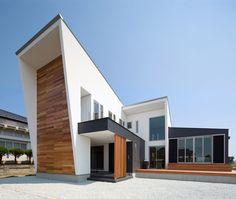 Modern Japanese Home by Masahiko Sato