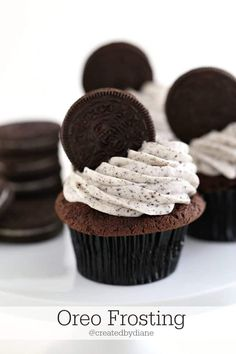 cookies and cream frosting is irresistible and perfect for cupcakes, cookies, cakes and filling in desserts