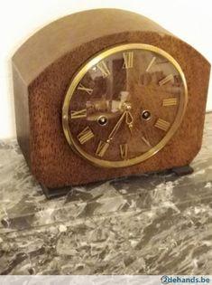 2 oude klokken
