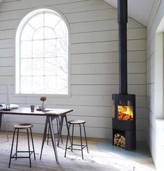 The Morso 6643 is a cast iron double door wood burning stove. Two large curved glass windows, with airwash system, offer a 180 degree view of the flames. Contemporary Wood Burning Stoves, Modern Stoves, Cabana, Unique Flooring, Stove Fireplace, Log Burner, Open Fires, Through The Window, Hygge