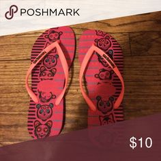 Fun Havianas Flip Flops Fun, animal patterned Havianas flip flops purchased in Brazil. Size 37-38. In good condition. Havianas Shoes Sandals