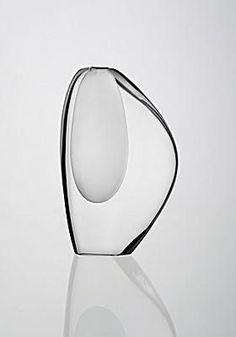 Timo Sarpaneva, Lancetti, Iittala, 1952 one of the great designers after fellow country men tappio verkkla. Glass Design, Design Art, Modern Design, Shape Design, Perfume, Colani, Glass Ceramic, Objet D'art, Modern Glass