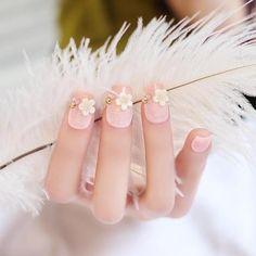 Trendy Pearl Flicker Acrylic Elegant Crystal Bride Wedding Artificial Nail#nailart #nailsticker #naildecoration