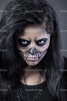 Skeleton Makeup | ... mask skull face art. Halloween face art with fog on black background