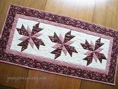 Floral Quilted Table Runner - Jasey's Crazy Daisy