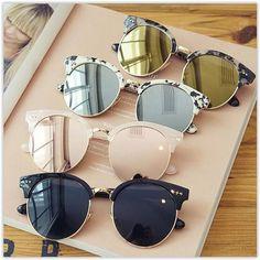 Os modelos de óculos de sol que irão bombar no próximo verão, são os de Acetato coloridos, nas cores branco, bege, vermelhos.. os de formato gatinho, continuam as lentes espelhadas e aqueles com carinha retrô. Aqui tem seleção com os óculos de Sol mais desejados e usados pelas fashionistas de todo o mundo - http://buyerandbrand.com.br/mododeusarmoda/?bi=2fhz9RM