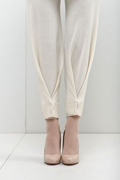 Snap Hem Pants - creative sewing ideas; fashion design detail // New Form Perspective