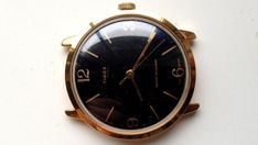 ON AUCTION ON WEDNESDAY 4 APRIL FROM 8pm.......MENS VINTAGE TIMEX MANUAL WIND WATER RESISTANT WORKING GOLD TONE WATCH
