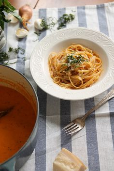 Roasted Pepper Pasta Sauce by EYHOblog, via Flickr